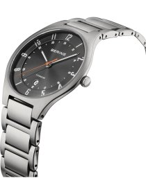 Armbanduhr Titan